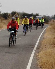Cyclistes a travers le Rajasthan